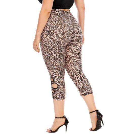 Leopard Print Plus Size Capri Leggings